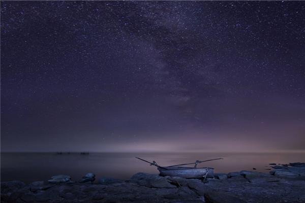 摄影:国  徽  作品名:《星河渡口》               拍摄地点:双鸭山市安邦河湿地
