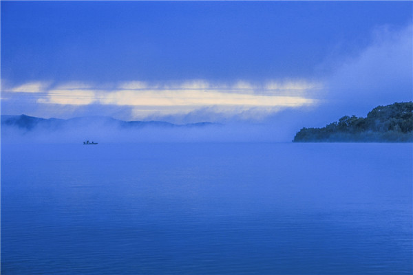 摄影  马国良  作品名:《乌苏里船歌》             拍摄地点:双鸭山市饶河南湖湿地