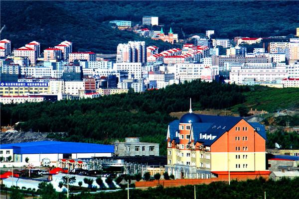 摄影:双协会  作品名:《山城》                  拍摄地点:双鸭山市