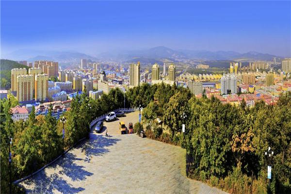 摄影:唐日展  作品名:《山亭远眺》              拍摄地点:双鸭山市