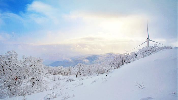 漫步清凉—冰清雪韵大顶子山  冷菊贞 摄