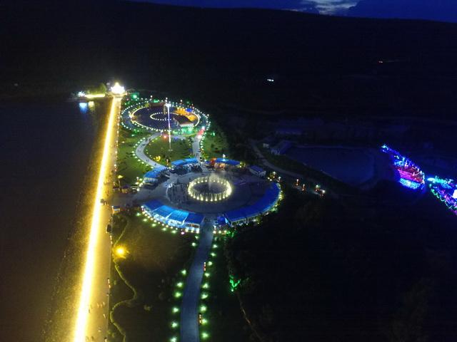 岭东区南湖广场亮化